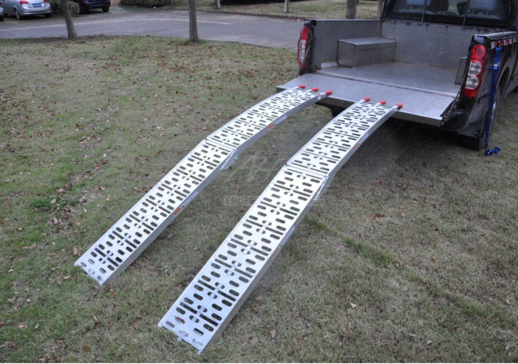 Nájezdy SKLÁDACÍ hliníkové , 680 kg pár – LR001, (2250×280 mm), obr. 2