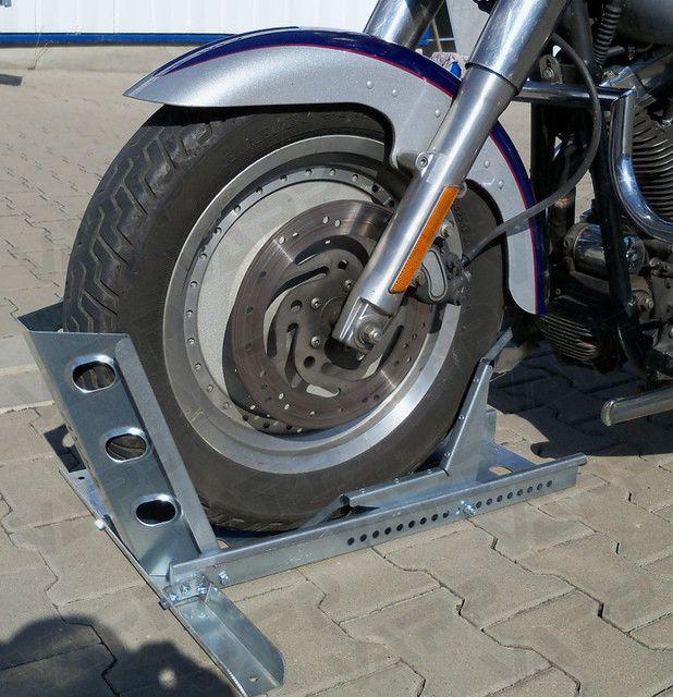 Držák motocyklu s automatickým zajištěním (krátký), délka 680 mm, šířka 190 mm