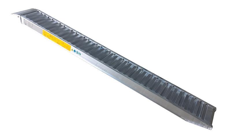 Nájezd hliníkový CLM ALU 2650 mm délka, 320 mm šířka, nosnost 2900 kg na pár