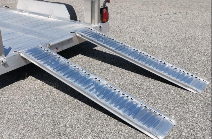 Nájezd hliníkový ALU 2500 mm délka, 345 mm šířka, nosnost 1560 kg na pár